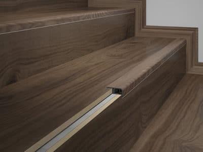 rodape-eucafloor-linha-tecno-frontal-de-escada-07