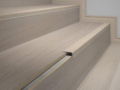 rodape-eucafloor-linha-tecno-frontal-de-escada-09